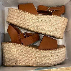 Vici platform sandal NEW